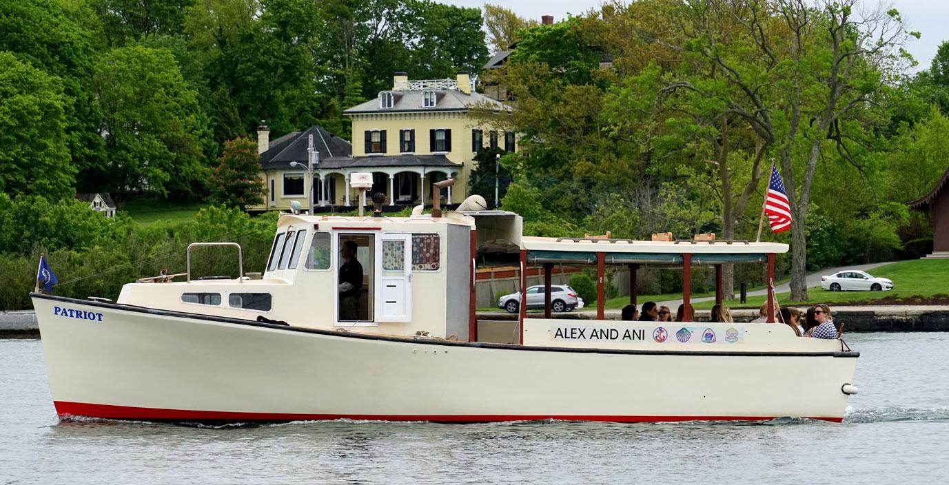 newport-bachelorette-cruises-10